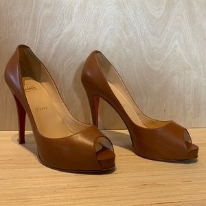 Christian Louboutin Very Prive 120 All Calf Sz 39